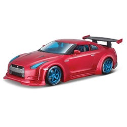 Maisto 1:24 Design Collection 2009 Nissan Gt-R