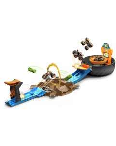 Hot Wheels Monster Trucks Stunt Tire Playset